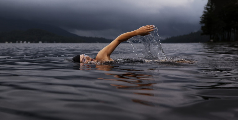 swim-864383